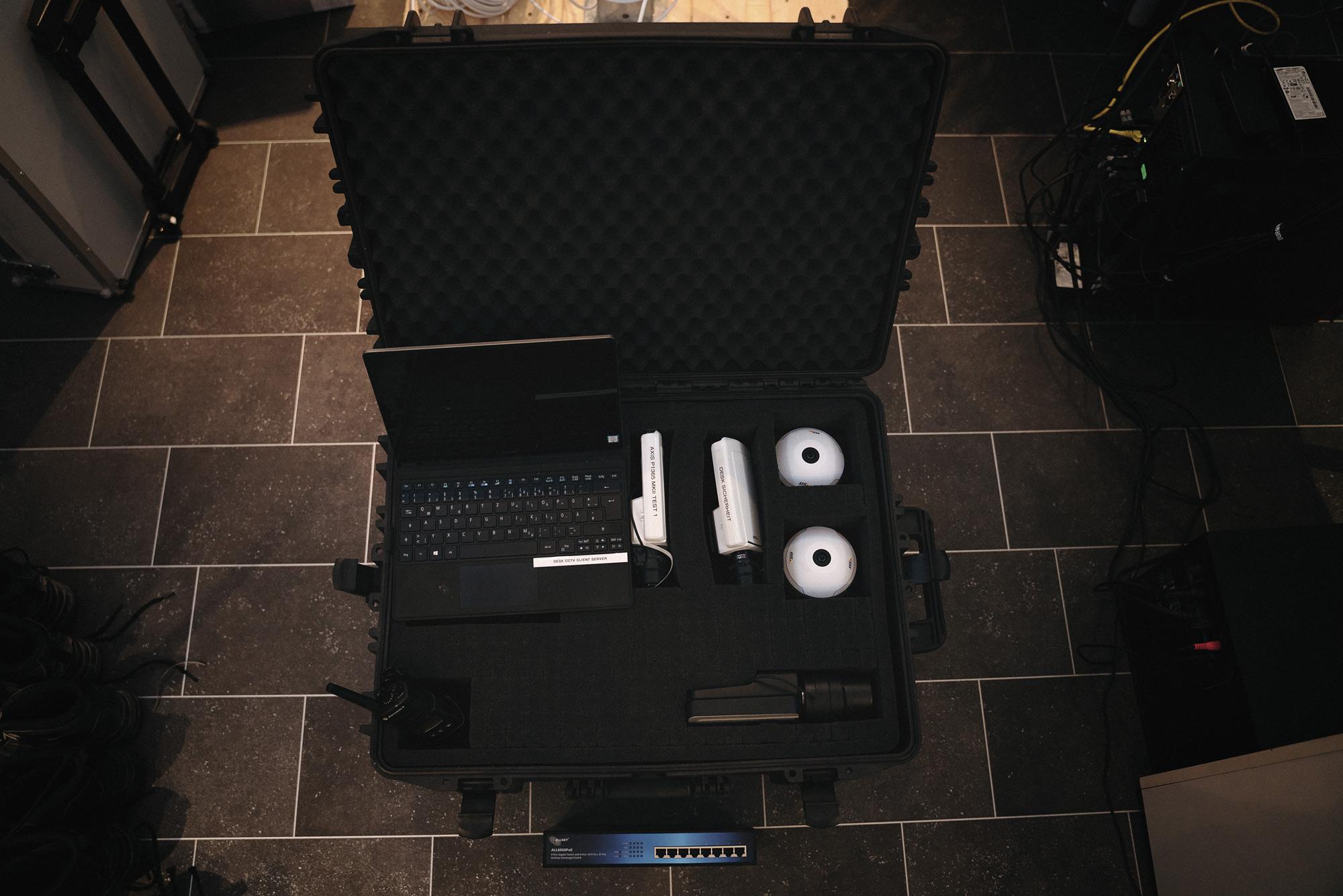 DESK Videoüberwachung Koffer